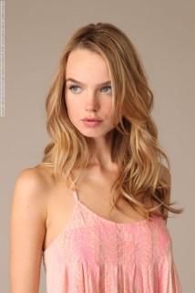 Aurelia Gliwski for Free People fashion lookbook (Fall 2009) photo shoot